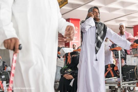 Wegen des Streiks stranden viele, die von der Pilgerreise nach Mekka zurückkehren, am Flughafen von Dhaka. Es gibt kaum Transportmöglichkeiten in ihre Dörfer und Städte.