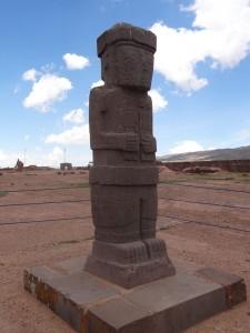 Ein Monolith in der Tempelanlage von Tiwanaku.