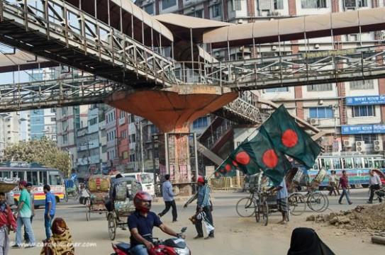 Moghbazar Kreuzung: Hier steht normalerweise der Verkehr still.
