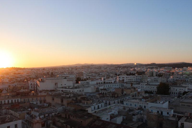 Soleil couchant sur Tunis: l'une des premières vues qu'il m'a été donné d'admirer après mon arrivée.