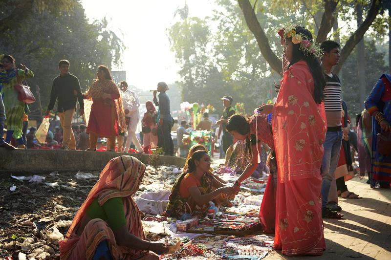 Die Frauen geben sich die grösste Mühe dem Anlass entsprechend angezogen und geschmückt zu sein