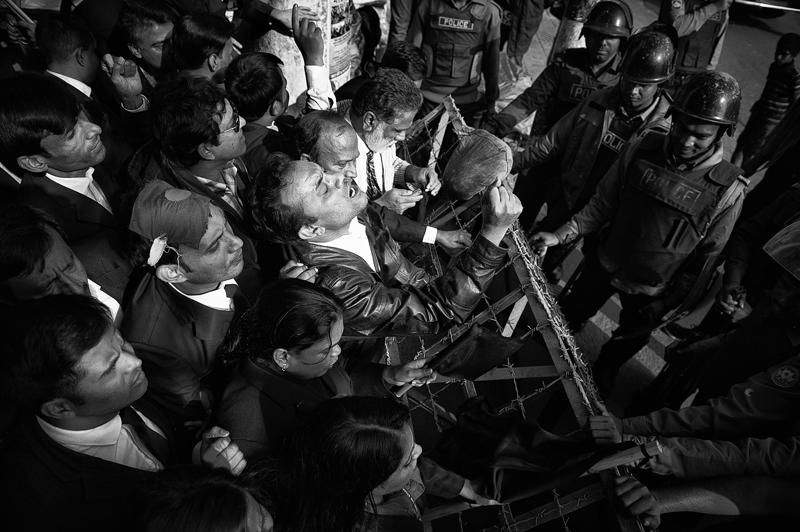 BNP Anhänger bei einer inszenierten Kundgebung