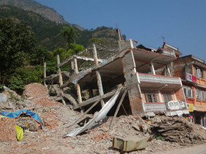 Ein vom Erdbeben zerstörtes Haus im Distrikt Sindhupalchowk.