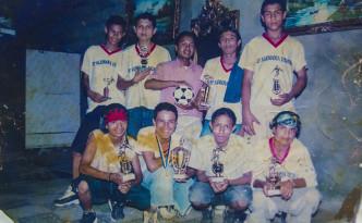 """Längst sind diese Jungs von der Fussballmannschaft des Stadtviertels """"Alemania Democrática"""" erwachsen - ihr Erfolg im Jugendturnier bleibt aber in Erinnerung."""