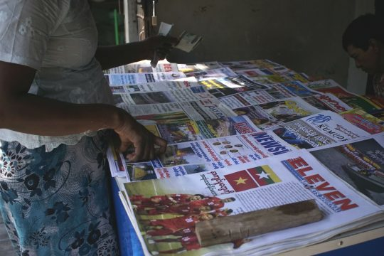 Zeitungsstand in Yangon