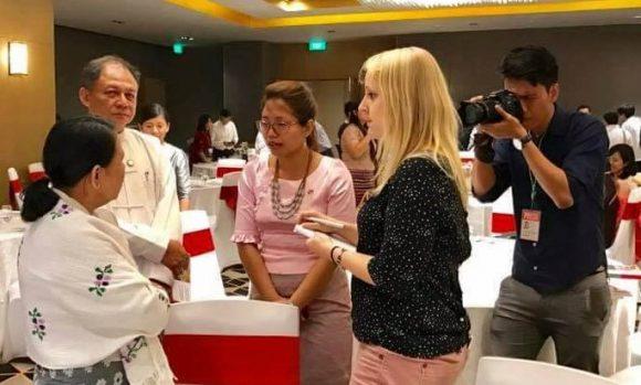 Interview von Eva Hirschi mit Parlamentariern in Yangon